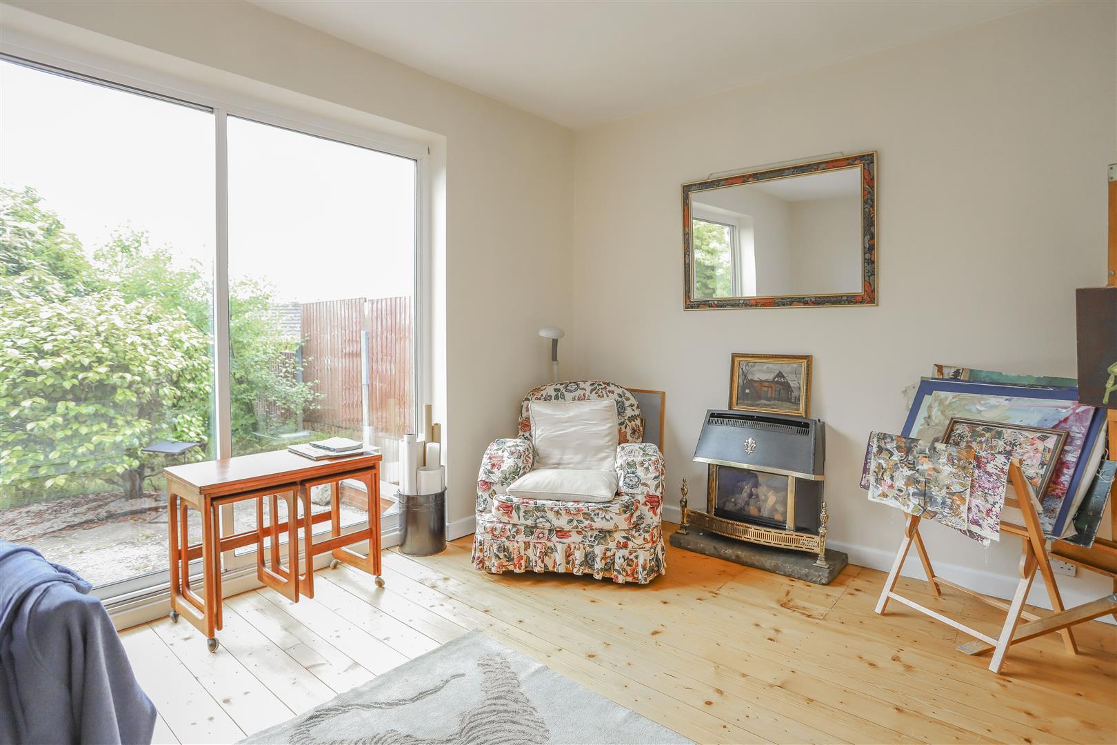 5 Bedroom Detached House For Sale - 35.JPG